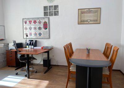 Cégjegyző iroda